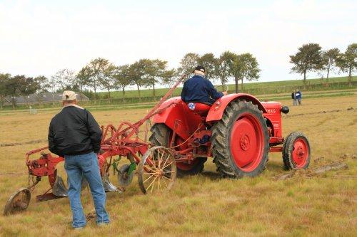 Foto van een Hanomag R35. Geplaatst door alfredo op 13-02-2018 om 11:32:15, op TractorFan.nl - de nummer 1 tractor foto website.
