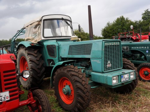 Foto van een Hanomag Brillant 700. Geplaatst door Renaultgek op 11-09-2019 om 01:29:03, op TractorFan.nl - de nummer 1 tractor foto website.