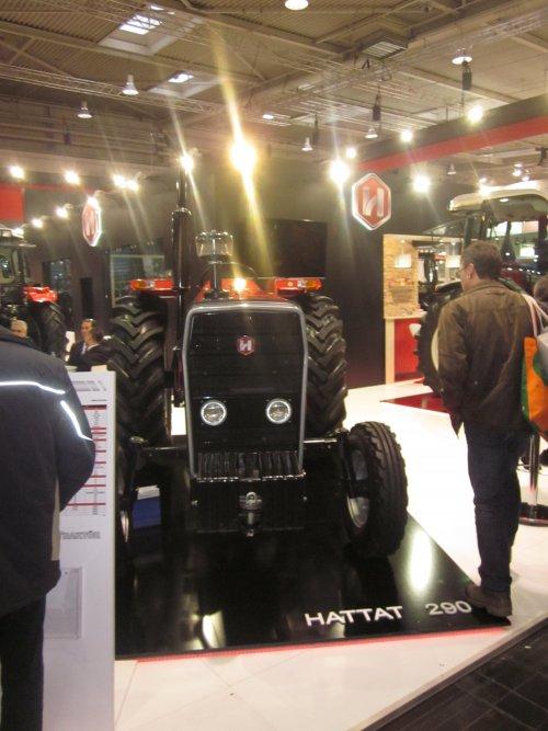 Foto van een Hattat 290. Geplaatst door jordi 1455 op 28-01-2018 om 12:54:10, op TractorFan.nl - de nummer 1 tractor foto website.