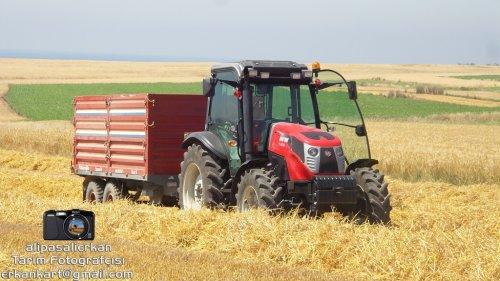 Barley Harvest With Hattat T 4100 2016...!!!. Geplaatst door alipasalierkan op 12-03-2018 om 20:03:43, op TractorFan.nl - de nummer 1 tractor foto website.