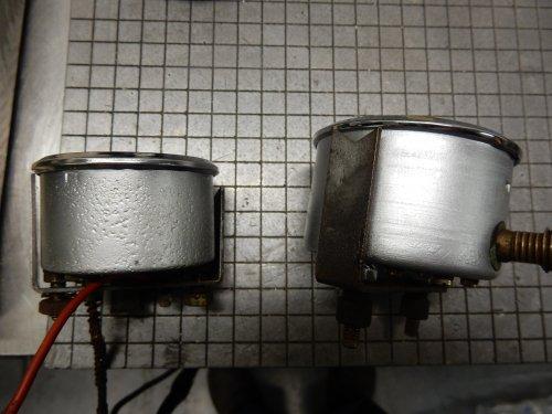 Ik had de meters van de Hatz opgestuurd naar een bedrijf, voor een beurtje en te zien of ze te restaureren waren. Vanavond bericht dat de restauratie gelukt was, wat zijn ze mooi geworden! Wel als nieuw, maar toch kun je zien dat ze niet nieuw zijn.