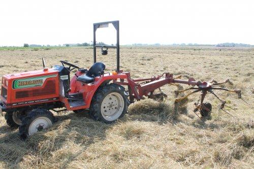 Hinomoto  C 174 van TractorFreakDiego