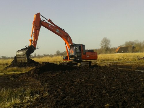 Hitachi Zaxis 210 van valmet8400power