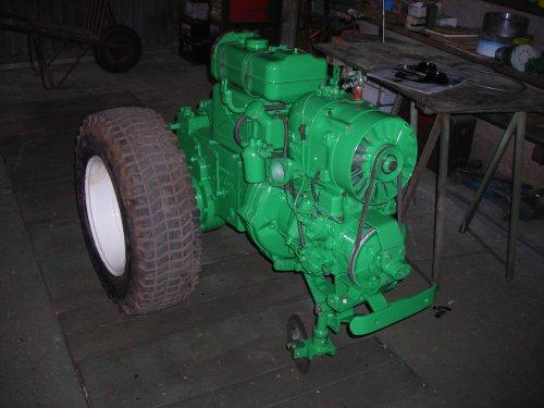 Holder E12 van AG35