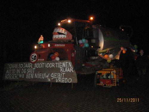 Foto van een Horsch 3 wieler, bezig met poseren.. Geplaatst door hansie op 26-11-2011 om 11:21:00, op TractorFan.nl - de nummer 1 tractor foto website.