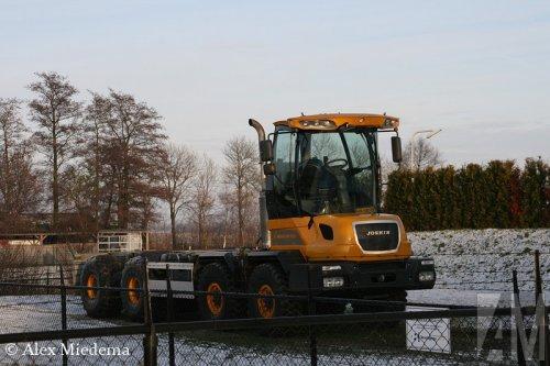 Foto van een Hovertrack Cargotrack, opgebouwd voor containertransport.. Geplaatst door Alex Miedema op 21-02-2014 om 18:04:01, op TractorFan.nl - de nummer 1 tractor foto website.