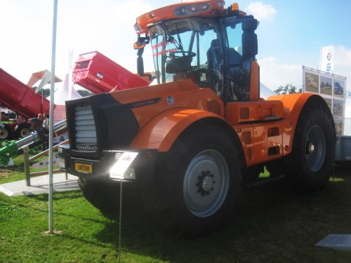 Foto van een HoverTrack luctor 544. Geplaatst door jordi 1455 op 13-09-2016 om 18:20:06, op TractorFan.nl - de nummer 1 tractor foto website.