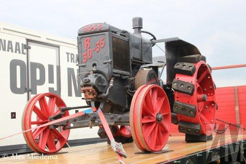 Foto van een hscs R 30-35 bij Oldtimer Truckshow Stroe. Mer fotos van dit evenement vind je op http://www.truckfan.nl/agenda/449/oldtimer-truckdag-stroe-2016/