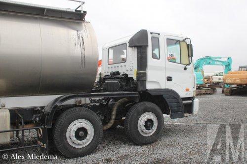 Foto van een Hyundai HD320, opgebouwd voor tanktransport.. Geplaatst door Alex Miedema op 12-12-2018 om 15:04:41, op TractorFan.nl - de nummer 1 tractor foto website.