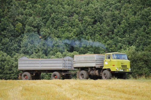 Deze IFA L60 zorgt voor het graan transport in de duitse heuvels.. Geplaatst door ronaldclaas op 02-09-2015 om 20:26:34, met 2 reacties.
