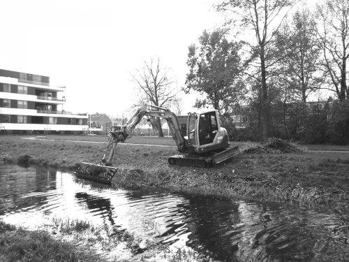 Foto van een IHI 45N (Grijs/wit)  Van Vliet Waarder. Geplaatst door dikketrekker op 15-03-2016 om 16:35:55, op TractorFan.nl - de nummer 1 tractor foto website.