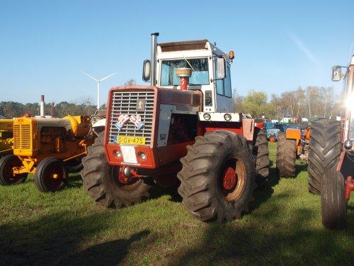 Foto van een International 4166. Geplaatst door manus op 12-04-2017 om 10:51:35, op TractorFan.nl - de nummer 1 tractor foto website.