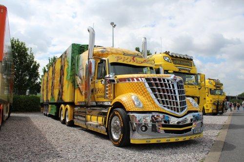 Foto van een International LoneStar, opgebouwd voor koeltransport.. Geplaatst door michael-hoeven op 21-06-2017 om 14:33:00, op TractorFan.nl - de nummer 1 tractor foto website.