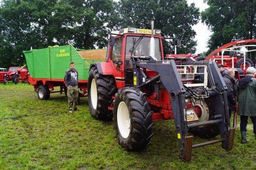 Foto van een International 956 XL. Geplaatst door jans-eising op 12-08-2017 om 22:19:27, op TractorFan.nl - de nummer 1 tractor foto website.