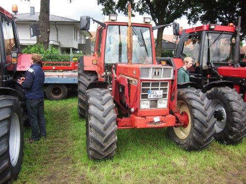 Foto van een International 956 XL. Geplaatst door jordi 1455 op 15-12-2017 om 22:55:37, op TractorFan.nl - de nummer 1 tractor foto website.