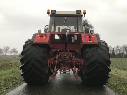 Foto van een International 956 XL. Geplaatst door FransFrago op 31-12-2017 om 16:08:42, op TractorFan.nl - de nummer 1 tractor foto website.