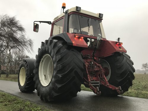 Foto van een International 956 XL. Geplaatst door FransFrago op 31-12-2017 om 16:08:44, op TractorFan.nl - de nummer 1 tractor foto website.