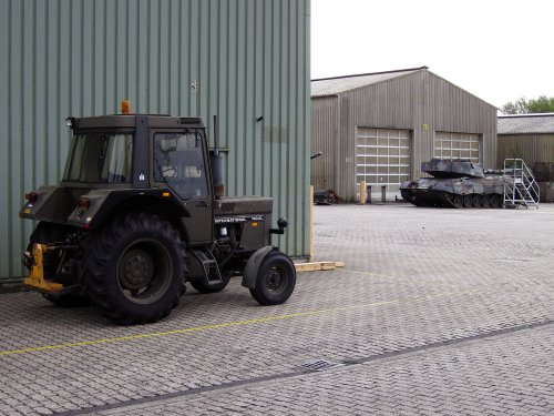 International 743 XL van A.H.S.