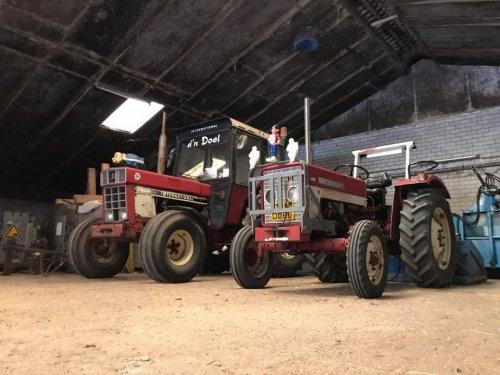 Foto van een International 844 / 323. Geplaatst door DoelenRoel op 15-08-2018 om 22:47:13, op TractorFan.nl - de nummer 1 tractor foto website.