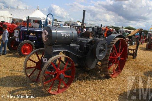 Foto van een International Titan op de 50e Great Dorset Steam Fair. Meer tractorfoto's vanaf dat evenement kun je vinden op https://www.alexmiedema.nl/2018/11/20/tractoren-op-50th-great-dorset-steam-fair/