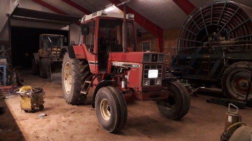 Foto van een International 1056 XL. Geplaatst door rommert14 op 11-02-2019 om 20:46:28, op TractorFan.nl - de nummer 1 tractor foto website.