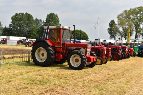 Foto van een International 1056 XL. Geplaatst door jordi 1455 op 02-06-2019 om 17:14:55, op TractorFan.nl - de nummer 1 tractor foto website.