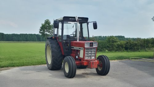 International 844 S van B4CaseIH