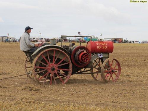 Foto van een International Titan  , Great Dorset steam fair 2018. Geplaatst door oldtimergek op 01-07-2019 om 00:17:36, op TractorFan.nl - de nummer 1 tractor foto website.