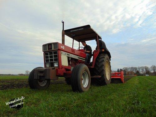 Langzaam aan beginnen met landwerkzaamheden voor het gerstland. Geplaatst door Han745XL op 23-03-2020 om 09:10:44, op TractorFan.nl - de nummer 1 tractor foto website.