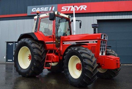 International 1255 XL van mf 35x
