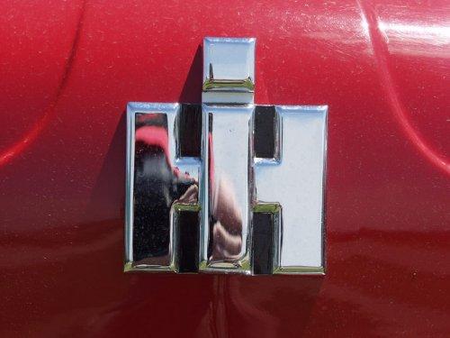 Foto van een International logo.. Geplaatst door Alex Miedema op 10-02-2015 om 20:57:39, op TractorFan.nl - de nummer 1 tractor foto website.