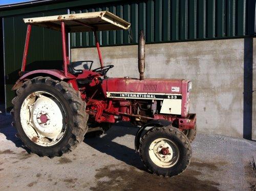 Foto van een International 633, bezig met poseren. verkocht,loopt ergens in duitsland.. Geplaatst door fendtkubotab1600 op 18-12-2013 om 17:48:52, op TractorFan.nl - de nummer 1 tractor foto website.