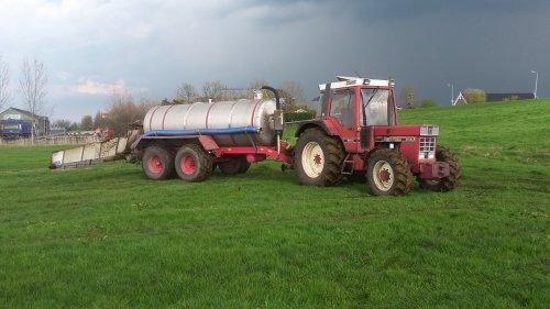 Foto van een International 844 XL. Geplaatst door janihc op 20-04-2016 om 18:55:51, op TractorFan.nl - de nummer 1 tractor foto website.