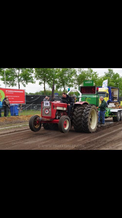 Eerste trek Inter 523. Geplaatst door M inter op 10-07-2016 om 09:16:41, op TractorFan.nl - de nummer 1 tractor foto website.