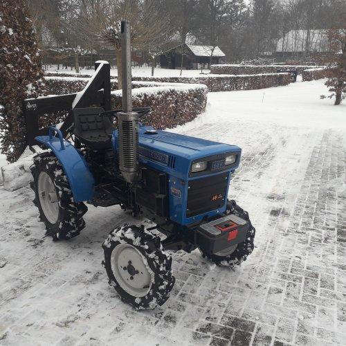 Even in de sneeuw spelen.. Geplaatst door Rickhn op 23-01-2019 om 11:29:12, op TractorFan.nl - de nummer 1 tractor foto website.