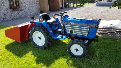 Foto van een Iseki TU 1500. Geplaatst door bjorn-wieme op 18-07-2016 om 09:52:45, op TractorFan.nl - de nummer 1 tractor foto website.