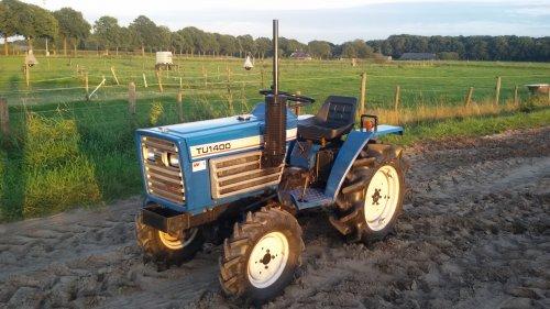 Foto van een Iseki TU 1400. Geplaatst door robin-wieland op 03-09-2016 om 21:19:08, op TractorFan.nl - de nummer 1 tractor foto website.
