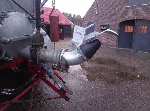 Foto van een Jako tank.yeaaah!  Hopen dat dit gaat bevallen.. Geplaatst door newholland6640 op 12-11-2020 om 18:57:20, met 29 reacties.