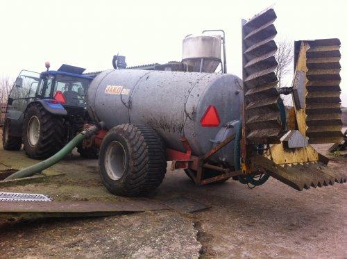Foto van een Jako tank, druk bezig met Poseren. Ook maar eens een paar tanken gedaan. Geplaatst door boer op 18-02-2014 om 17:59:24, met 11 reacties.