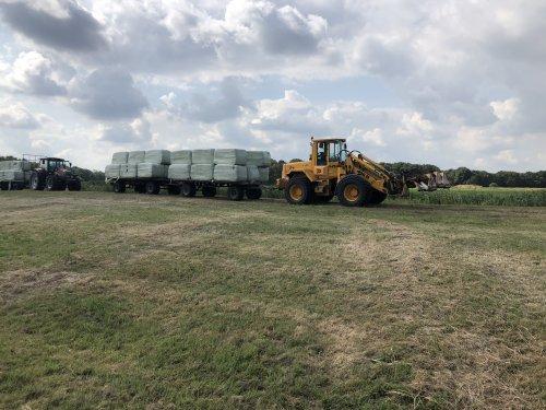 Foto van een JCB 426 B. Geplaatst door jellehoekstra op 23-07-2018 om 22:01:59, op TractorFan.nl - de nummer 1 tractor foto website.