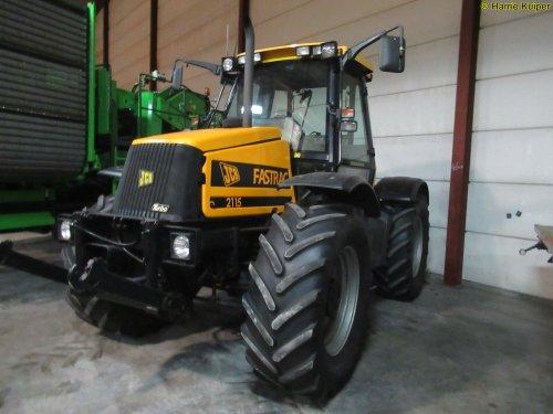 Foto van een JCB Fastrac 2115. Geplaatst door oldtimergek op 12-02-2019 om 11:01:25, op TractorFan.nl - de nummer 1 tractor foto website.