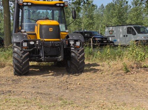 JCB Fastrac 3200 van landinimaarten