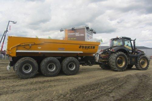 JCB Fastrac 8310 van tractorfreek
