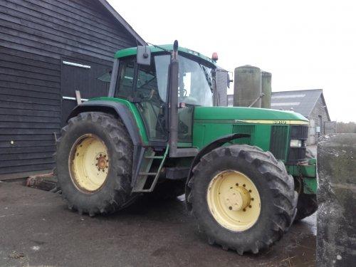 Foto van een John Deere 6910 weer een dag mixen laatste put voorlopig. Geplaatst door johndeere6910forever op 21-11-2016 om 18:23:50, op TractorFan.nl - de nummer 1 tractor foto website.