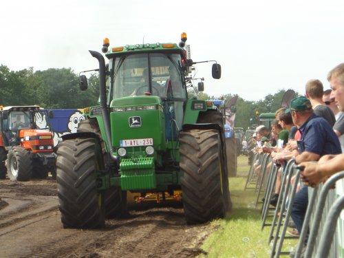10/07/2016: Pure Powers... John Deere 4755, Trekkertrek Poppel 2016. Geplaatst door JD6930 op 08-01-2017 om 22:53:50, op TractorFan.nl - de nummer 1 tractor foto website.