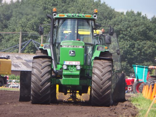 31/07/2016: Power bank? sowieso POWERRRSSS!  John Deere 4755, Trekkertrek & boerendag Vessem 2016. Geplaatst door JD6930 op 09-01-2017 om 22:26:06, op TractorFan.nl - de nummer 1 tractor foto website.