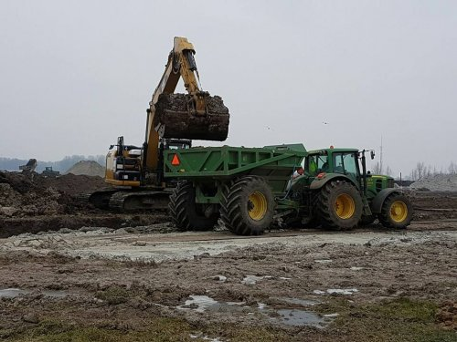 Foto van een John Deere 6930. Geplaatst door jans-eising op 11-02-2017 om 19:38:31, op TractorFan.nl - de nummer 1 tractor foto website.