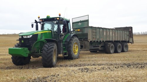 Foto van een John Deere 7290R met Artex CB 1200. Geplaatst door caseboy op 18-02-2017 om 20:11:50, op TractorFan.nl - de nummer 1 tractor foto website.