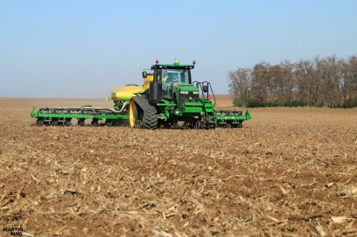 Spring Work 2017- Corn Planting  JOHN DEERE 8370 RT with the JOHN DEERE 1775 NT ExactEmerge Planter and APV PS 1600 Fertilizer Equipment  more photos you can find also on  [url=https://www.flickr.com/photos/129661619@N08/]Flickr page[/url] | [url=https://www.facebook.com/DYNASTYphotography-204551272942391/]Facebook DYNASTYphotography[/url] | [url=https://www.instagram.com/lukaskralphoto/]instagram lukaskralphoto[/url] | [url=https://www.instagram.com/martin939king/]instagram martinking[/url]