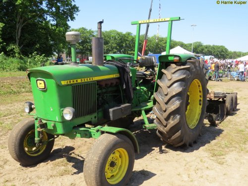Foto van een John Deere 2020  , oldtimerdag De Krim 27-05-2017. Geplaatst door oldtimergek op 29-05-2017 om 22:44:14, op TractorFan.nl - de nummer 1 tractor foto website.